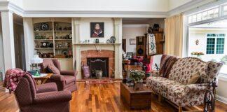 meble uzywane w salonie