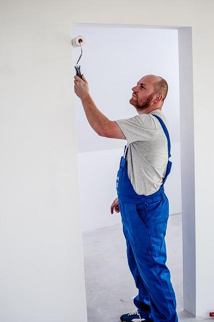 malowanie scian na bialo