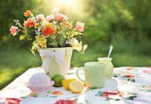 stol w ogrodzie